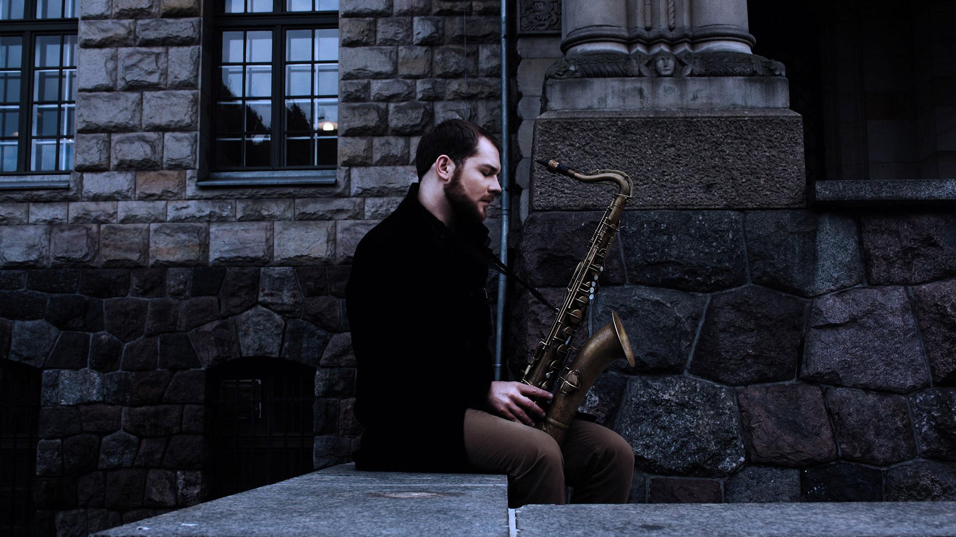 Marek z saksofonem