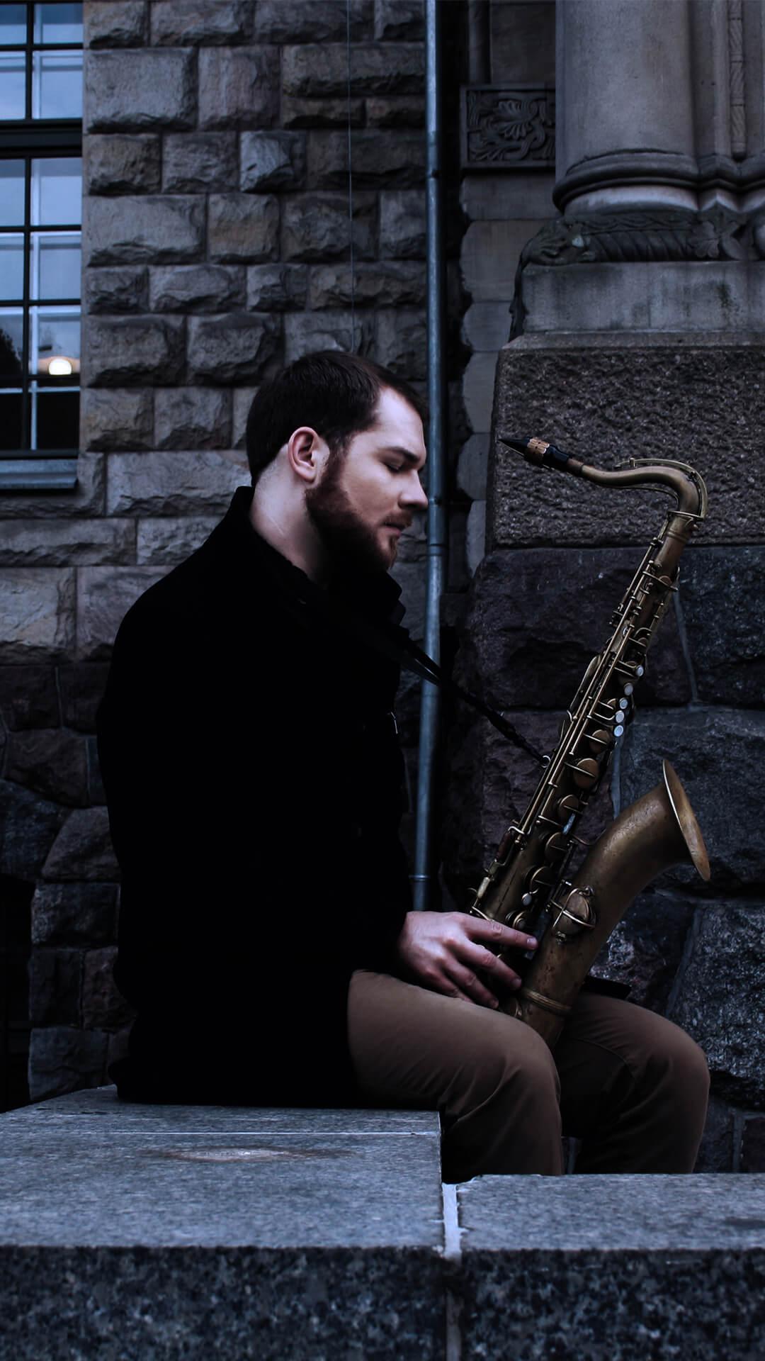 Marek z saksofonem 2